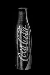 (E.T Foto) Tags: coke soda bottle aluminium aluminio coca refresco popsoda cola bebida producto cocacola botella envase marketing cold texture bnwphotography bnwphoto