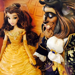That True Love Look (jlantistoys) Tags: disney disneystore dollphotography photography toycollector dollcollector toyphotography beautyandthebeast belle disneyprincess disneylimitededitiondolls le platinum beast