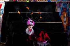 Deusa do fogo... (mauroheinrich) Tags: fogo deusa fire cores colors teatro atriz atores circense mambembe rua drama nikon nikkor nikonians nikondigital nikonprofessional nikonword 28300vr d610 riograndedosul brasil ibirub mauroheinrich