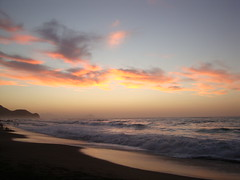 Plage Ouldja au crpuscule du soir. (elboulaida2000) Tags: crpuscule plage t jijel ouldja vagues sable algrie