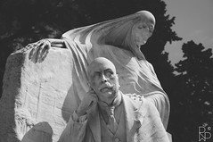 Cementerio de Montjuc (Rob Walker Photography) Tags: barcelona portrait bw sculpture white black landscape death nikon d90