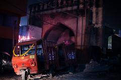 Indien (SpechtPhotodesign) Tags: india night moody nacht agra cocacola tor indien atmospheric rikscha atmosphrisch