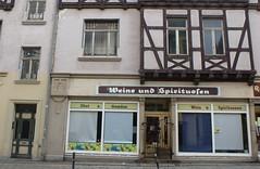 Weine & Spirituosen (Swassermatrose) Tags: door windows window shop germany deutschland close fenster oldhouse tr gemse wein obst 2014 fachwerkhaus feinkost haustr sachsenanhalt geschlossen spirituosen quedlingburg