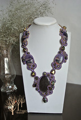 The treasure of Pentos (~Gilven~) Tags: necklace jewelry pearl swarovski fluorite obsidian swarovskicrystals gameofthrones czechbeads foggyforest pentos swarovskipearl naturalleather soutache