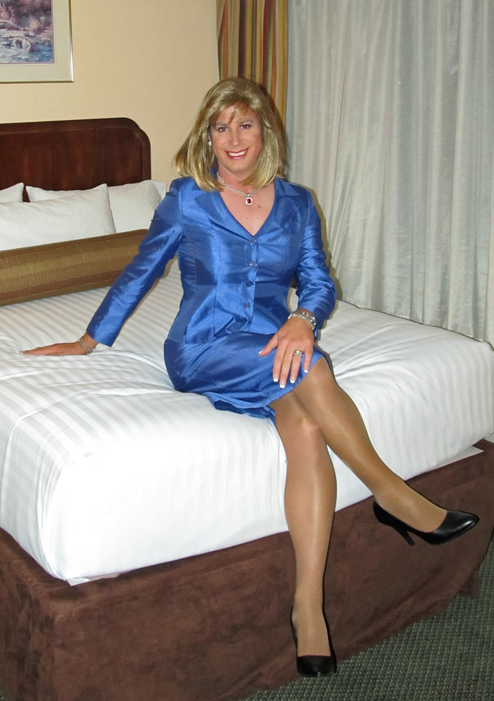 Shemale dominant sissy
