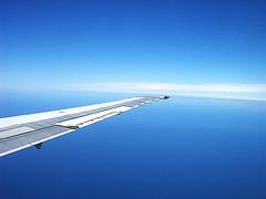 volando por cielos argentinos (shumpei_sano_exp9) Tags: travel viaje blue sky argentina azul fly aeroplane cielo ala avión volar colorphotoaward colourartaward