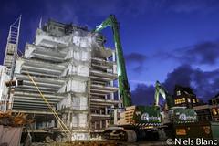 IMG_7014 (Niels_blanc) Tags: city amsterdam cat centre bank demolition caterpillar centrum sloop fortis rokin 349 graafmachine beelen uhd sloopwerken sloopwerk 345c 349e sloopmachine