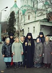 72. Архим. Арсений со старыми певчими с. Богородичное 2002 г