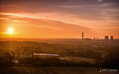 South Oxfordshire sunset (Andy Hough Photography) Tags: sunset england sky sun clouds unitedkingdom sony goldenhour wittenhamclumps southoxfordshire didcotpowerstation littlewittenham a99 sonyalpha andyhough earthtrust slta99v andyhoughphotography tamronsp70200di