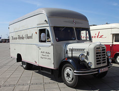 Borgward box truck (The Rubberbandman) Tags: auto b classic truck vintage germany nose box outdoor cab transport over engine cargo goods lorry cover german transportation vehicle hood bremen freight snout 2500 motorshow fahrzeug lastwagen borgward lkw laster b2500