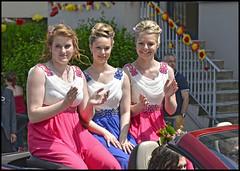 La duchesse du Faucigny et ses deux dauphines (wilphid) Tags: festival musique dfil hautesavoie musiciens harmonie cuivres faucigny marnaz