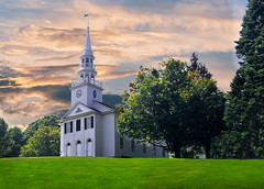 Congregational Church, Warren CT (Trotter Jay) Tags: congregationalchurch church warrenct litchfieldcounty scenicct scenic landscape fuji steeple belltower