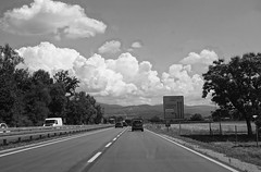 driving under cloudy sky (6) (BZK2011) Tags: wolkenhimmel strase landstrase autobahnzubringer countryroad sony rx100 schwarzweis blackandwhite bw