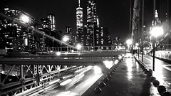 Pont de Brooklyn (pi3rreo) Tags: night nuit city ville urban urbain newyork brooklyn noiretblanc black white nikon coolpix abstrait abstract light
