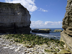 _1030018 (almondmediaonline) Tags: thornwick flamborough tide cave cove bay