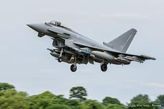 Typhoon FRG4 lands with simulated full weapons load (DrAnthony88) Tags: eurofighteref2000typhoon modernmilitary natmakepeace nikkor200400f4gvrii nikond810 phase3enhancement raffairford royalairforce royalinternationalairtattoo typhoonfgr4 unitedkingdom aircraft airplane british raf