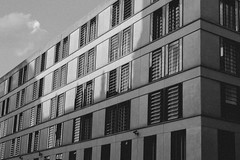 07 (marcopiras1991) Tags: city berlin design architecture blackandwhite vintage building mirror urban street highstreet photography bianco e nero monocromo architettura edificio allaperto grattacielo window finestre windows reflex composition sky