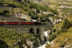 Zahnrad Dampflokomotive HG 3/4 4 der DFB Dampfbahn Furka Bergstrecke ( Baujahr 1913 - Hersteller SLM Nr. 2318 - Ex Brig - Furka - Disentis - Bahn BFD - Schmalspur Lokomotive Dampflok Lok ) unterhalb Gletsch im Kanton Wallis - Valais der Schweiz (chrchr_75) Tags: albumzzz201609september christoph hurni chriguhurni chrchr75 chriguhurnibluemailch september 2016 hurni160910 schweiz suisse switzerland svizzera suissa swiss bahn eisenbahn schweizer bahnen zug train treno albumbahnenderschweiz2016712 albumbahnenderschweiz fb dampfbahn furka bergstrecke dampflokomotive dampfmaschine dampflok locomotora vapor  vapeur steam vapore  stoomlocomotief albumdampflokomotiveninderschweiz chrchr chrigu dfb albumbahndfbdampfbahnfurkabergstreckedfb alpen alps alpenbahn schmalspur meterspur museumsbahn