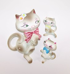 PY Miyao Anthropomorphic Cat Family Trio Wall Plaques (filigreefairy) Tags: family cats animals vintage ceramic bigeyes nursery kitty bowtie siamese kittens kitties collectibles anthropomorphic anthro py madeinjapan bathroomdecor miyao wallplaques