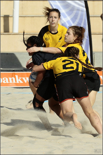 State U18 indoor girls play beach hockey_ (229)