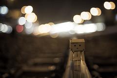 SL01 OBJET : DANBO 01 (NicksVya) Tags: life portrait paris france japan night train canon toy toys eos 50mm couple bokeh rail railway trainstation exploration serie daynight yotsuba danbo 650d t4i eos650d danboard danbomini danbolife danbography danbotography