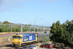 8108 SHUNTS THE GHAN CARS AT KESWICK (rob3802) Tags: train diesel rail railway loco adelaide locomotive southaustralia keswick gsr diesellocomotive 8108 pacificnational theghan dieselelectriclocomotive 81class greatsouthernrailways
