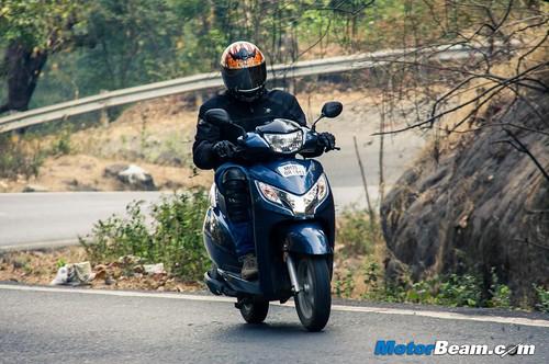 2015-Honda-Activa-125-Long-Term-02