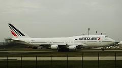 Air France B-747-428 F-GITJ Airport Charles De Gaule 21-11-14c (mugicalin) Tags: boeing b747 boeing747 b747400 b747428 airfrance fgitj airportcharlesdegaulle cdg fujifilm fujifilmfinepix finepix bleublancrouge aircraft 2014