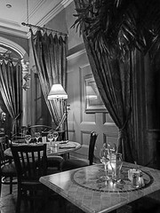 Dining room at the Carlyle Inn- BW (Daxcat) Tags: porthope port hope vacation carlyle inn beach