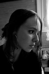 Autoportrait 11 (Chloé Pichouron) Tags: woman selfportrait me myself autoportrait femme young special athome brune créoles 18yo