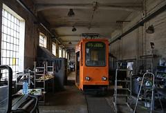 In de werkplaats (Maurits van den Toorn) Tags: tram tramway tranvia strassenbahn streetcar elctrico villamos lodz polen poland konstal musem trammuseum werkplaats workshop werkstatt