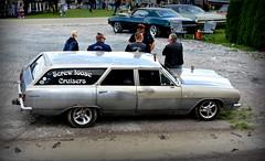Screw loose... (Papa Razzi1) Tags: 7625 2016 219365 screwloose cruisers summer august estatewagon americana raggare wheelsnationals2016