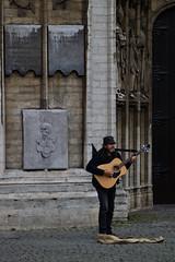 Hubo un tiempo que fue hermoso ... (Manuel Gayoso) Tags: amberes belgica catedral guitarra guitarrista calavera quintenmatsijs