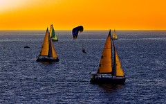 Sailing & flying at sunset - Tel-Aviv beach (Lior. L) Tags: sailingflyingatsunsettelavivbeach sailing flying sunset telaviv beach sailboats sail paragliding sea seascapes