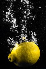 CLASSICAL LEMON SPLASH #4  IMG_5367 (photo.bymau) Tags: bymau canon 7d high speed flash syn speedhighspeedflash sync citron lemon water drop splash
