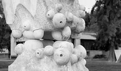ESCULTURA - SCULPTURE (jpi-linfatiko) Tags: bn bw blancoynegro blackandwhite blanconegro blackwhite escultura sculpture airelibre nikon d5200 sigma1770