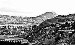 Mountains in Zumbahua (Stefan Klimmer) Tags: bw brown mountain mountains green southamerica berg stone blackwhite ecuador dorf village felder berge fields grün braun stein ländlich südamerika schwarzweis zumbahua