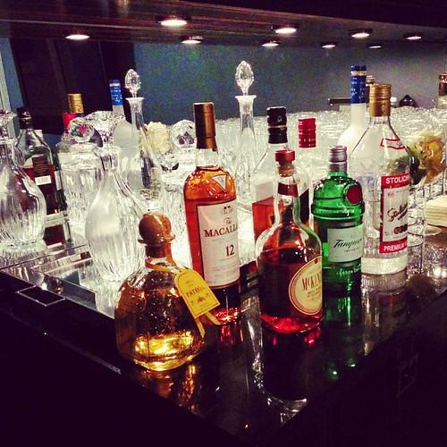 #fullbar #bar #mixologynyc #patron #macallan #blacklabel #tanqueray #stolichnaya #mackenzie #greygoosw