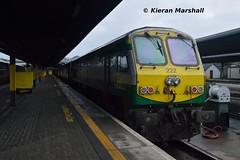 222 at Heuston, 15/12/14 (hurricanemk1c) Tags: dublin irish train gm rail railway trains railways irishrail 222 201 generalmotors 2014 heuston emd iarnrd ireann iarnrdireann 1300heustoncork