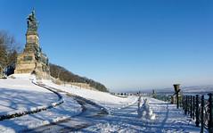 Niederwalddenkmal Rdesheim (6) (Stadtlichtpunkte) Tags: schnee snow monument germany hessen aussicht rhine rhein germania rheingau rdesheim aussichtspunkt hesse denkmal mittelrheintal niederwald niederwalddenkmal mittelrhein rheingautaunuskreis