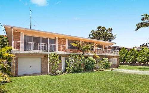 13 Seaview Rd, Banora Point NSW 2486