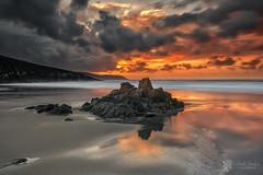 Valcobo (Chencho Mendoza) Tags: sunset beach atardecer nikon playa valcobo chenchomendoza