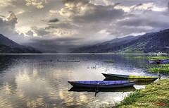 Lago Phewa, Pokhara (bit ramone (off)) Tags: nepal lake lago boat barcas pokhara bitramone bestcapturesaoi elitegalleryaoi lagophewa