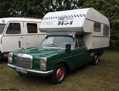 Mercedes Camper (Schwanzus_Longus) Tags: roof two black classic car sedan vintage silver germany mercedes benz paint safari german rack 200 vehicle oldtimer bremen done camper job saloon coupe 250 coup motorshow paintjob roofrack 250c asendorf classicmotorshow