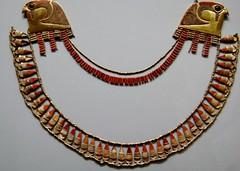 Metropolitan Museum of Art (Stabbur's Master) Tags: nyc newyork newyorkcity metropolitanmuseumofart egypt egyptiannecklace egyptianartifact