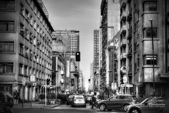 Calle Monjitas (Diez Visualcreativo) Tags: blanco photoshop calle y metro negro artes barrio bellas automoviles lastarria monjitas visualcreativo