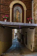 Calle Dr. Fleming, Beceite (Jose Antonio Abad) Tags: espaa streets architecture buildings spain arquitectura edificios streetphotography cityscapes teruel calles urbanphotography paisajeurbano aragn pblica beceite matarraa fotografaurbana urbanlanscape josantonioabad