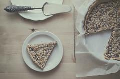 Felicitats compis! (Graella) Tags: crumble pie tarta food comida postre dessert breakfast merienda desayuno pastel pasts vajilla cenital stilllife bodegn vintage