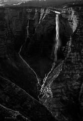Nacedero del Nervin II. Orduna. Mar2005 (fernandobarcenapena) Tags: nacedero waterfall catarata ordua nervion cascada bizkaia blackandwhite blancoynegro monte montain