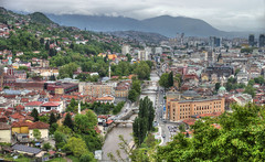 Les ponts de Sarajevo (Vincent Rowell) Tags: raw tonemapped balkans2016 bosniaandherzegovina sarajevo river miljacka bridges landscape